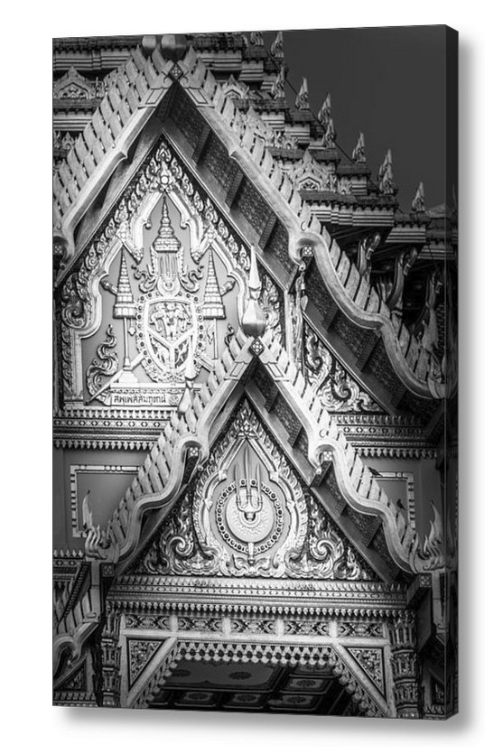 Grand Palace Bangkok, Facade with Royal Coats Of Arms