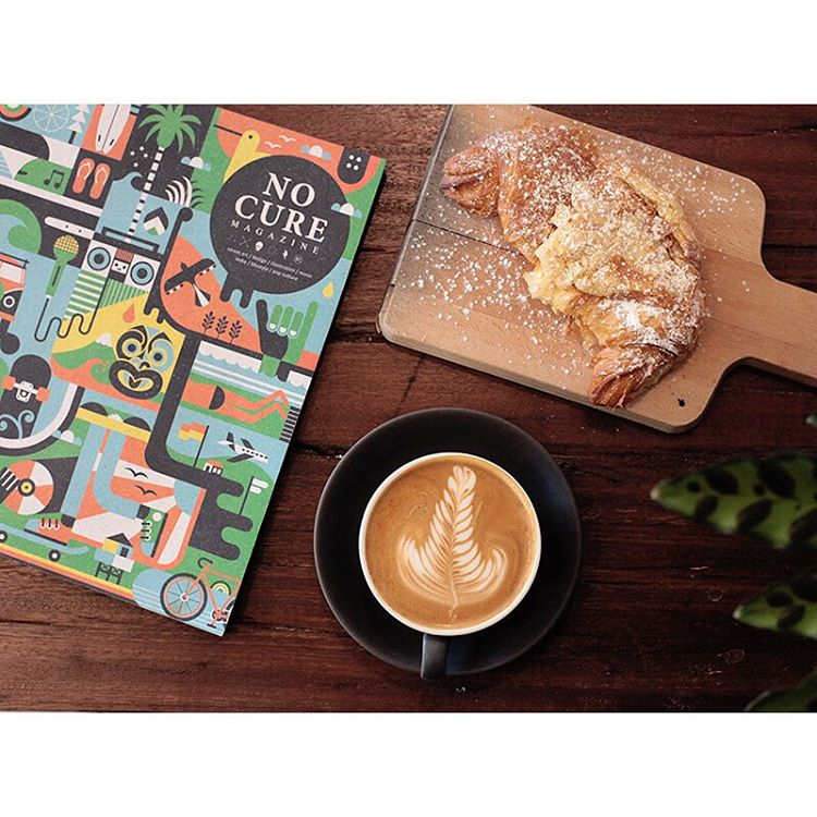 GOOD MORNING! Our smooth Sunny Boy Original is pouring all day today.     We have fresh almond croissants, cronuts, Cruffins, injectables, Donettos, bagels and wraps. Come chill out and peruse our stack of art books @nocuremagazine