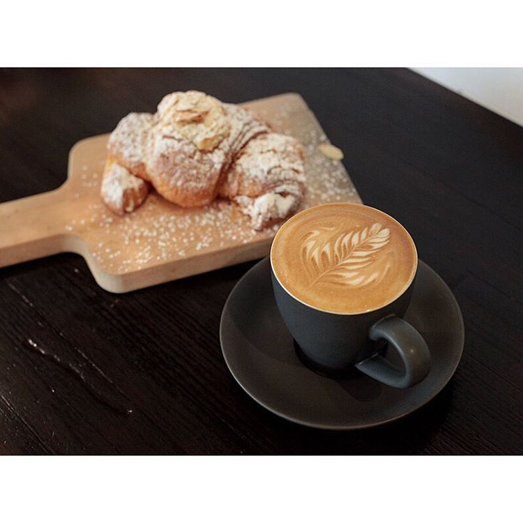 HAPPY SATURDAY! We've got your coffee needs sorted. Our smooth Sunny Boy Original is pouring, almond croissants, cronuts, cruffins, injectables, and Donettos are in! Open 7am - 2pm (at Sunshine Sunshine Espresso)