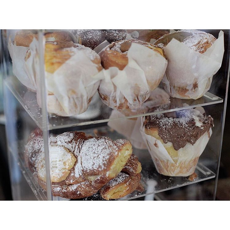 A big batch of our infamous injectables, specialty Cruffins, almond croissants and Donetto's are all in stock and available until 2pm today. Lomandra Drive, Currimundi.  (at Sunshine Sunshine Espresso)