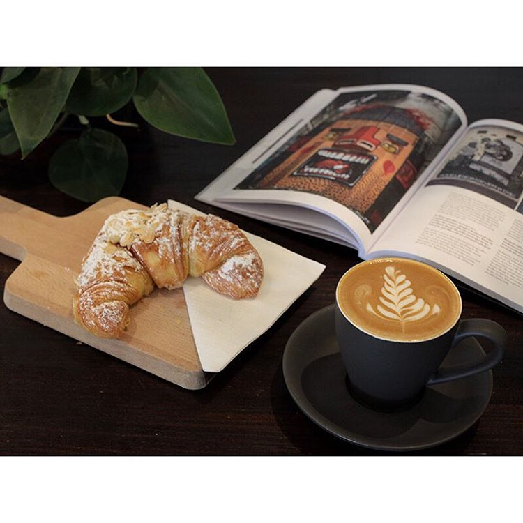 Oven fresh almond croissants are in store! The perfect accompaniment to your Sunny Boy Original. Come read one of our art/design magazines and enjoy the sunshine in Neighbourhood Park. Open until 2pm. Lomandra Drive, Currimundi.