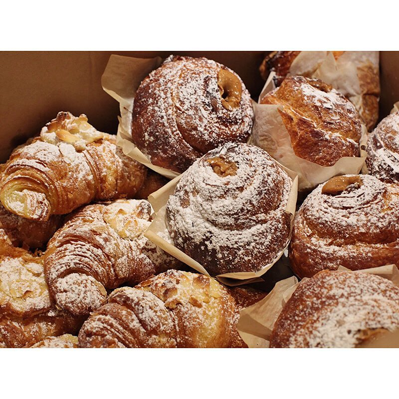 A huge batch of fresh almond croissants, and salted caramel Cruffins are in! The perfect accompaniment to your Sunny Boy Original. (at Sunshine Sunshine Espresso)