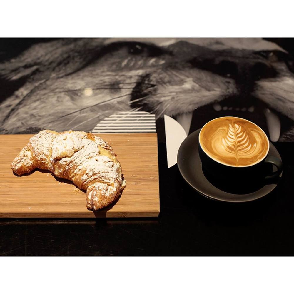 A fresh batch of almond croissants are in store. A true classic and the perfect accompaniment to a cup of Sunny Boy Original.     Open until 5pm.
