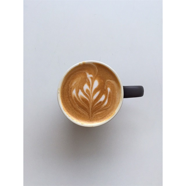 The first bean of the week this week is Organic Peru. This 100% Peruvian Arabica starts with a dark chocolatey / nutty flavour, that progresses to a soft and smooth finish. A well balanced clean tasting coffee. We'll only be grinding 1kg before we switch over to our Sunny Boy Original.
