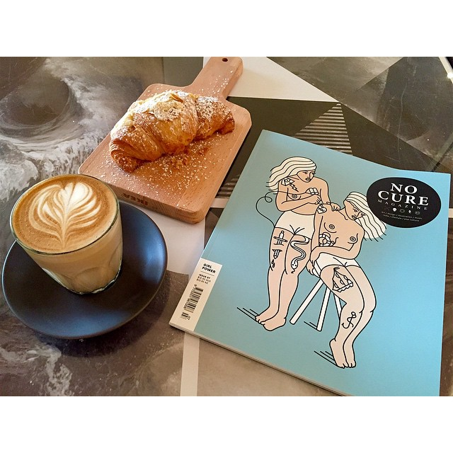 Good morning! We are grinding our super smooth Sunny Boy Original all day long today.     We have fresh almond croissants, injectables and breakfast bagels.     The latest issue of No Cure Magazine is in too. Have a flick through while you enjoy a coffee.  (at Sunshine Sunshine Espresso)