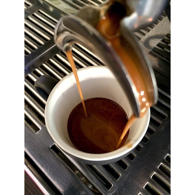 Happy Monday! We are grinding our super smooth Sunny Boy Original this morning. 100% PNG Arabica consisting of Mundo Novo, Bourbon, and Aroosha varieties.     Fresh injectables, almond croissants, choc banana bread, and breakfast bircher muesli are in.
