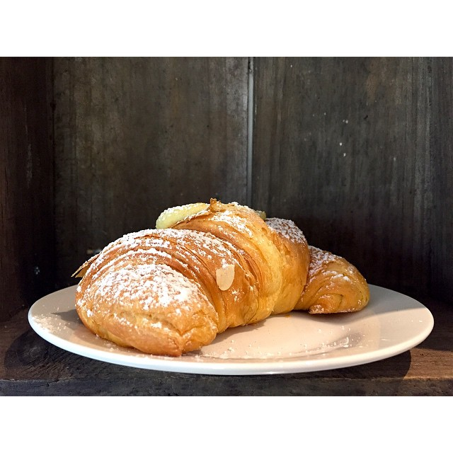 Bakery fresh almond croissants are in this morning! We are also grinding our Sunny Boy Original all day today.