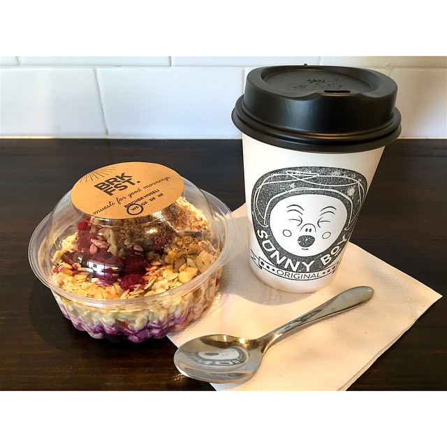 Good morning! Breakfast is served. Sunny Boy Original and Original muesli cup by BRKFST.