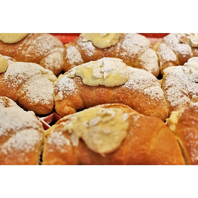 Puffy bakery fresh almond croissants are in again this morning!