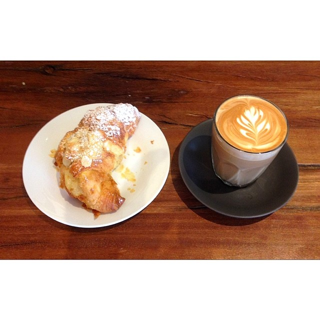 Bakery fresh almond croissants, banana bread and cronuts are in this morning. It may be a wet day on the coast but the coffee is hot and creamy and the shop is warm so come and say g'day! Open til 2!