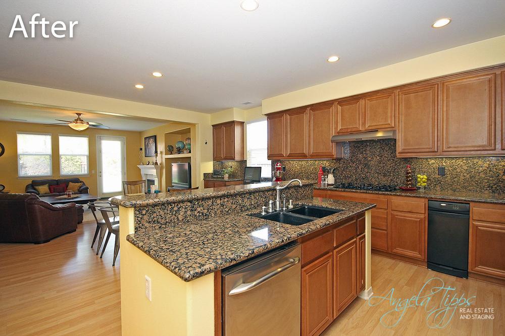 Balboa 4A Kitchen.jpg