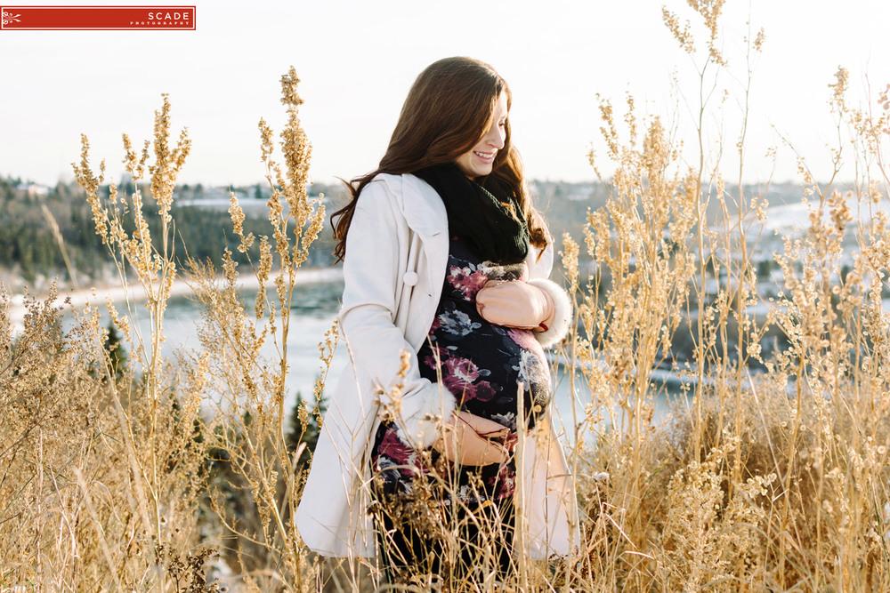 Winter Maternity photographers - 005.JPG