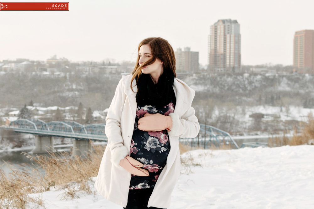Winter Maternity photographers - 009.JPG