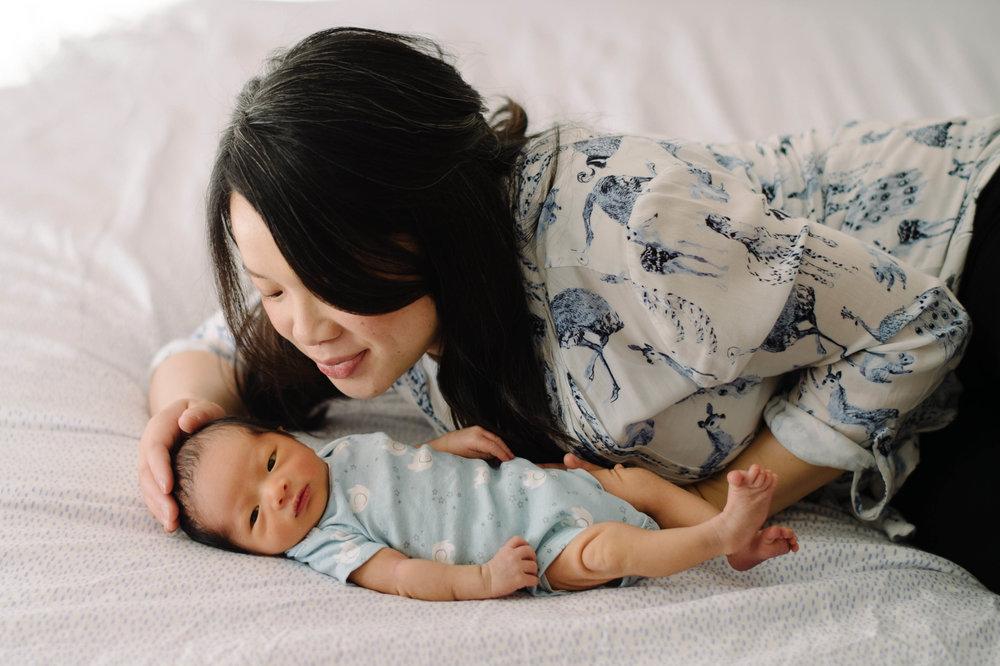 Newborn - Isaac-0096fb.jpg