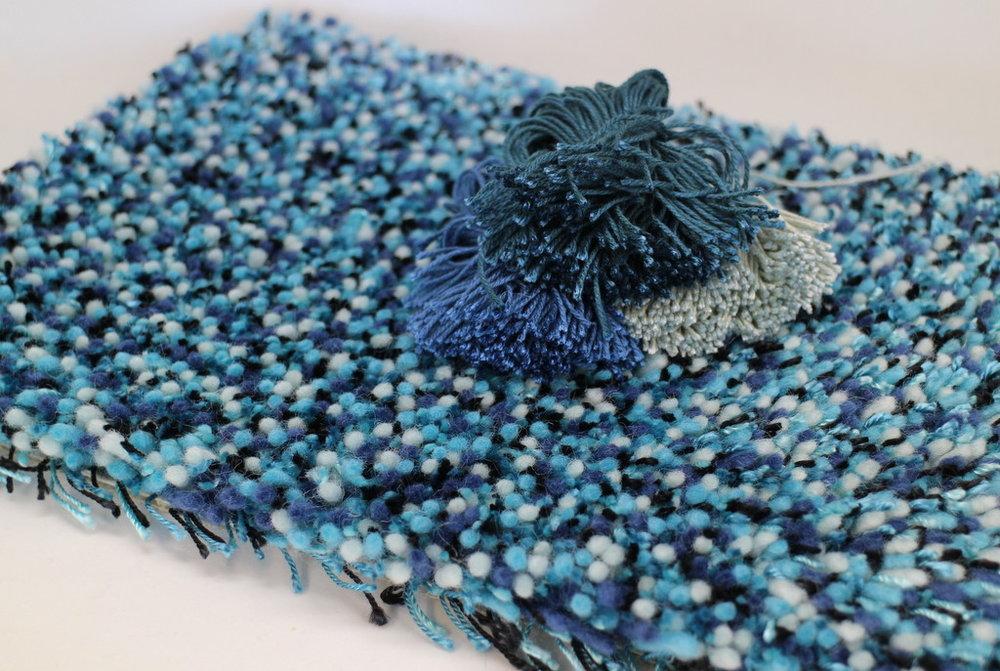 cronz-blues-greys-mixed-yarn.JPG