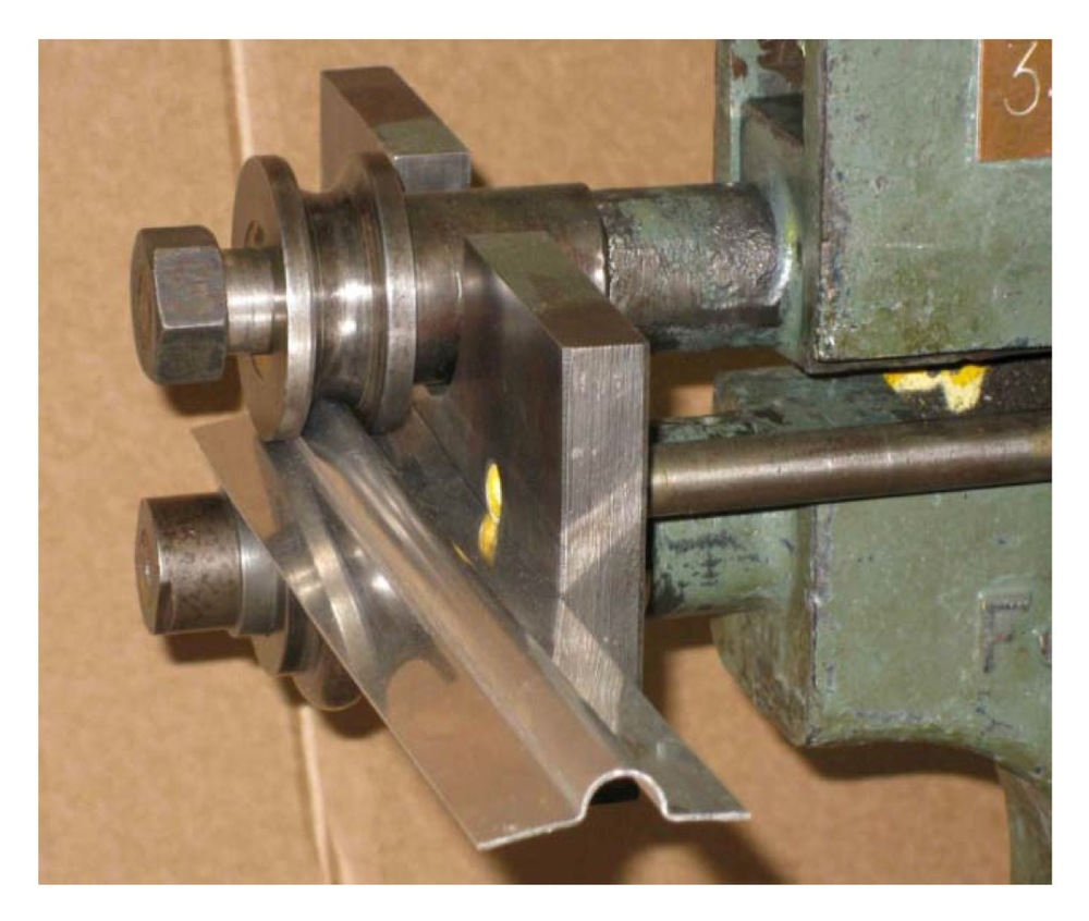 Close-up of the rolling tools