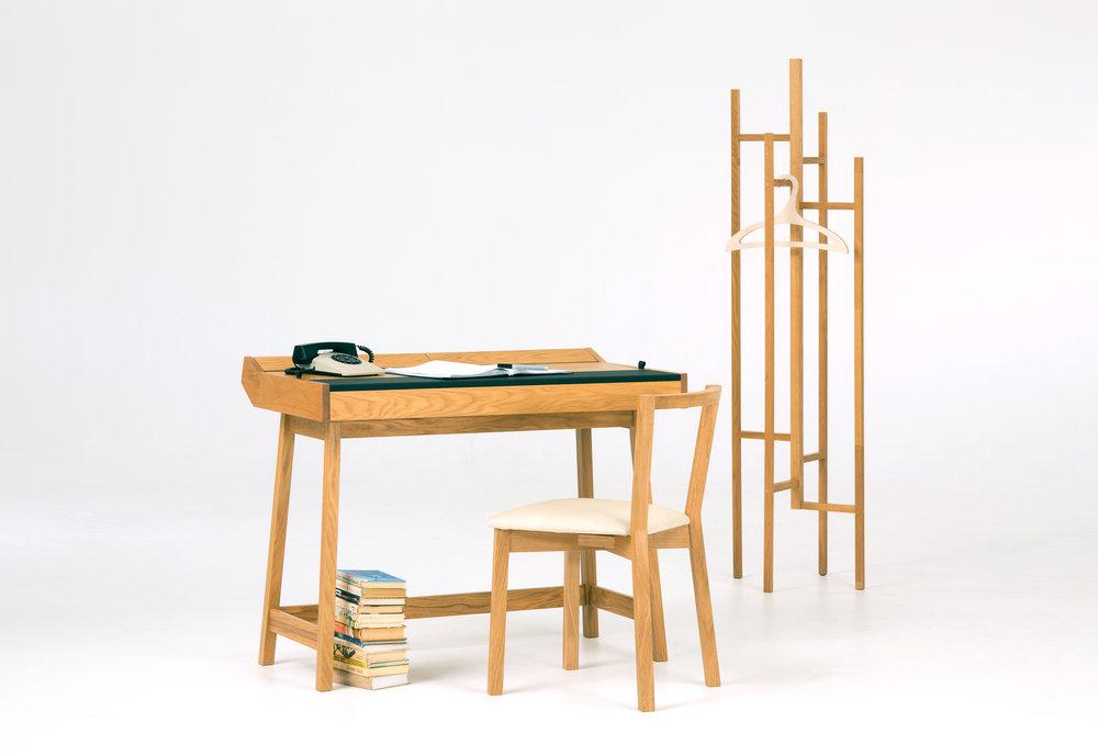 Desk_Setting_01.jpg