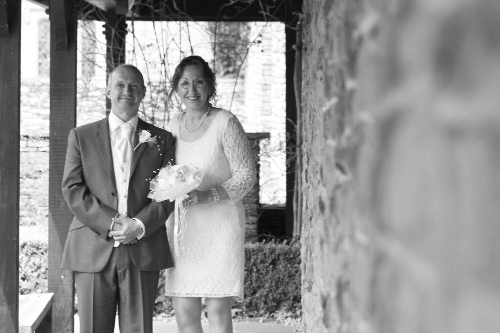 Mr & Mrs4042.jpg
