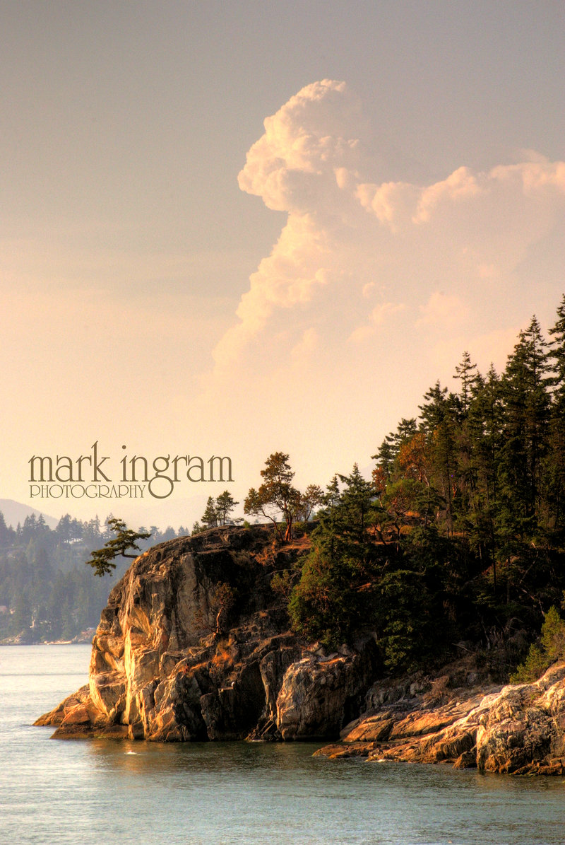 Nipple_Cloud_at_the_Cliff_Edge_by_Mark_Ingram.jpg