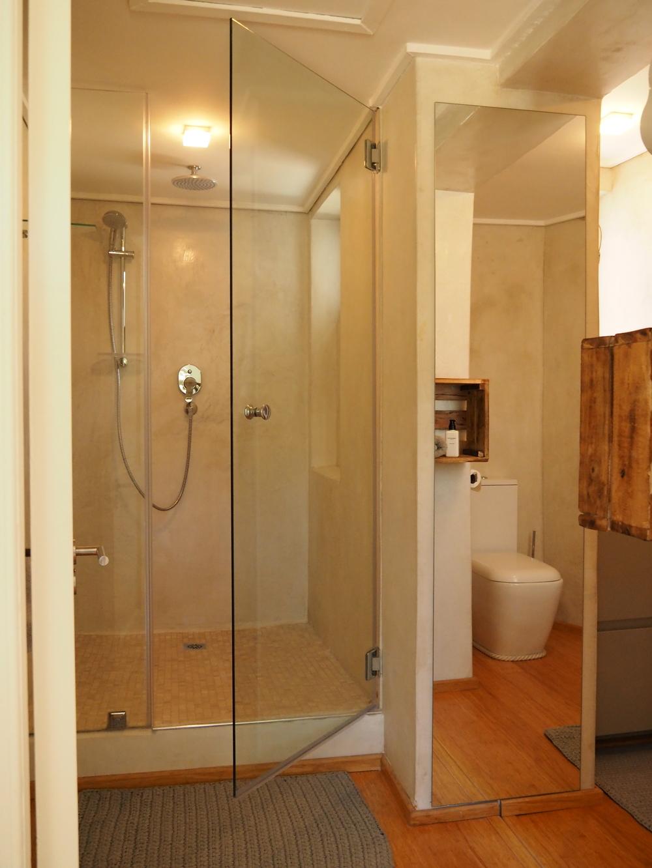 TableMountain Bad Dusche hoch.JPG