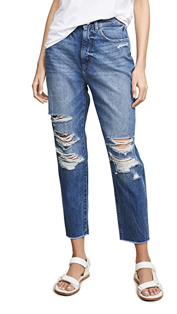 """SIMILAR. Mine in the video are the """"Perfect Summer distressed jean"""" from Madewell 2017"""