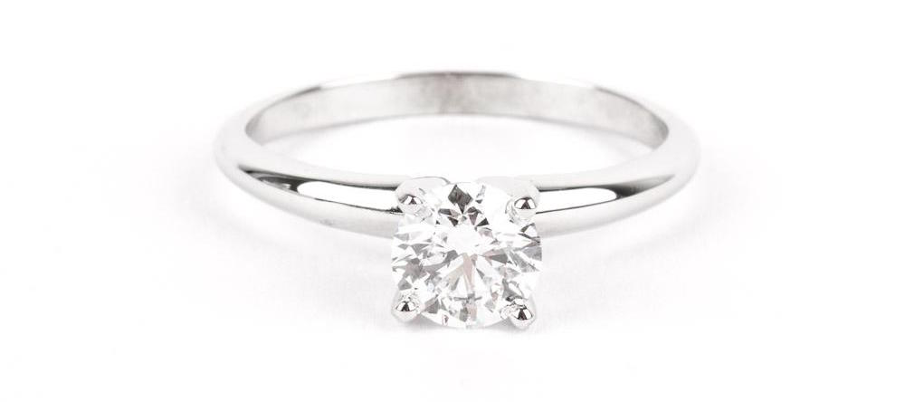 STORE 5a - Pre-Owned PRE-OWNED ROUND BRILLIANT SOLITAIRE ENGAGEMENT RING