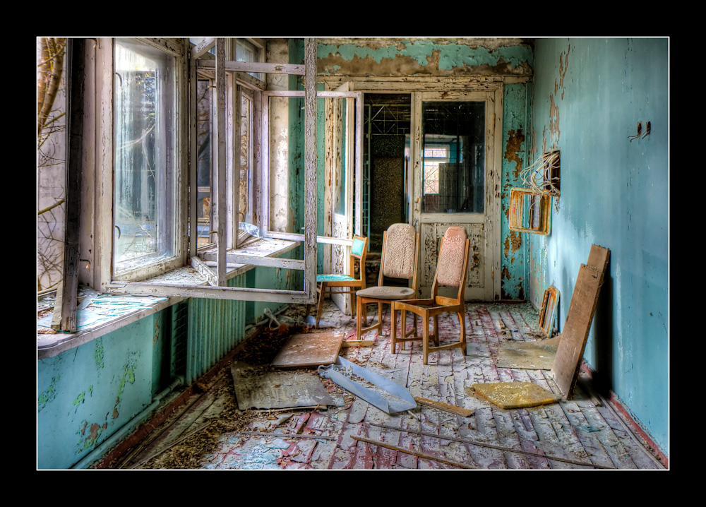 Music room in a town near Chernobyl. Image Source: flickr/lord_yo