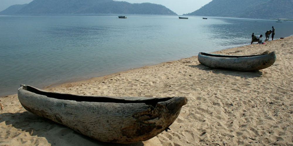 Monoxylon beach Lake Malawi