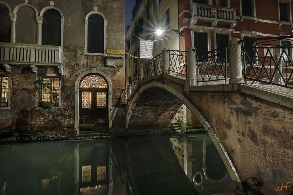 Ponte De Nuit