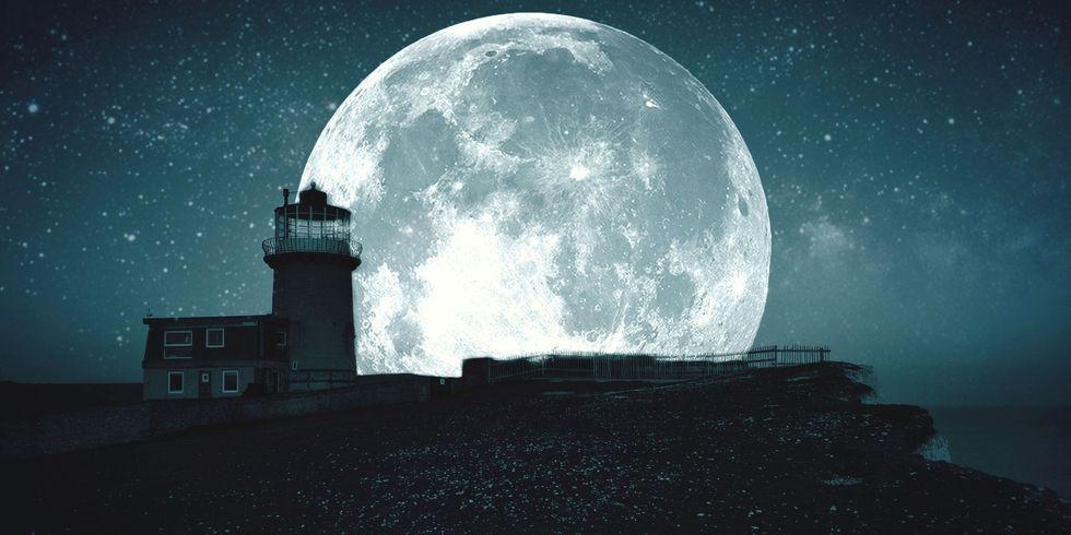 landscape-1455721811-hbz-full-moon-index2.jpg