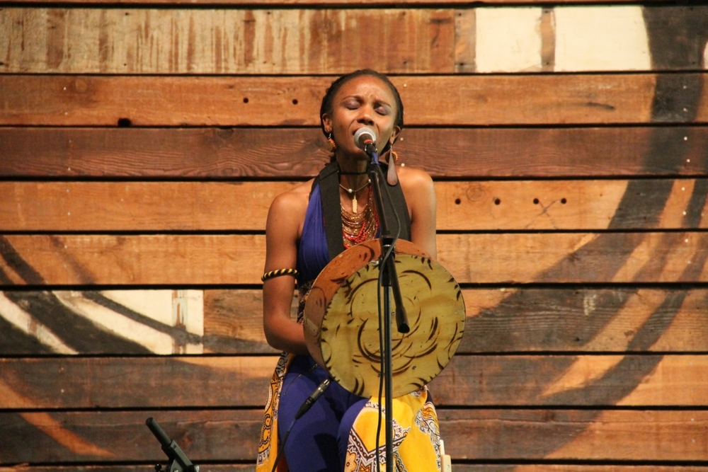 Piwai performs for at Global Sisterhood Concert