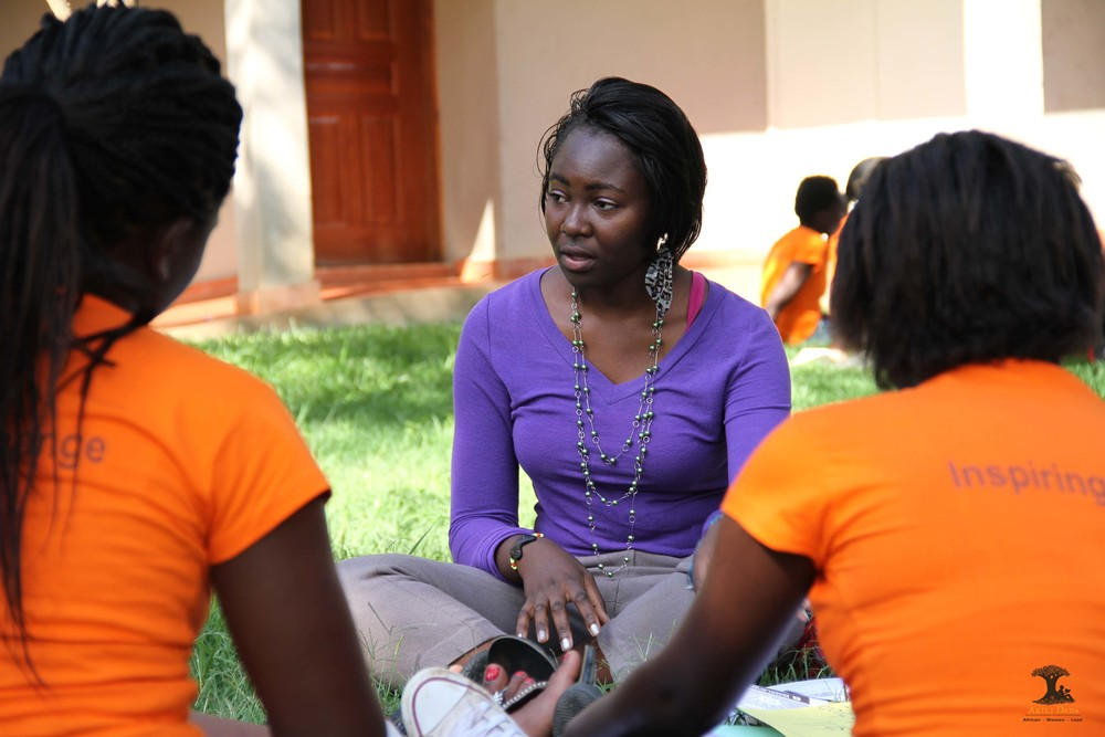 Dadas and mentors discussing the role of young women in achieving the newly adopted Sustainable Development Goals.