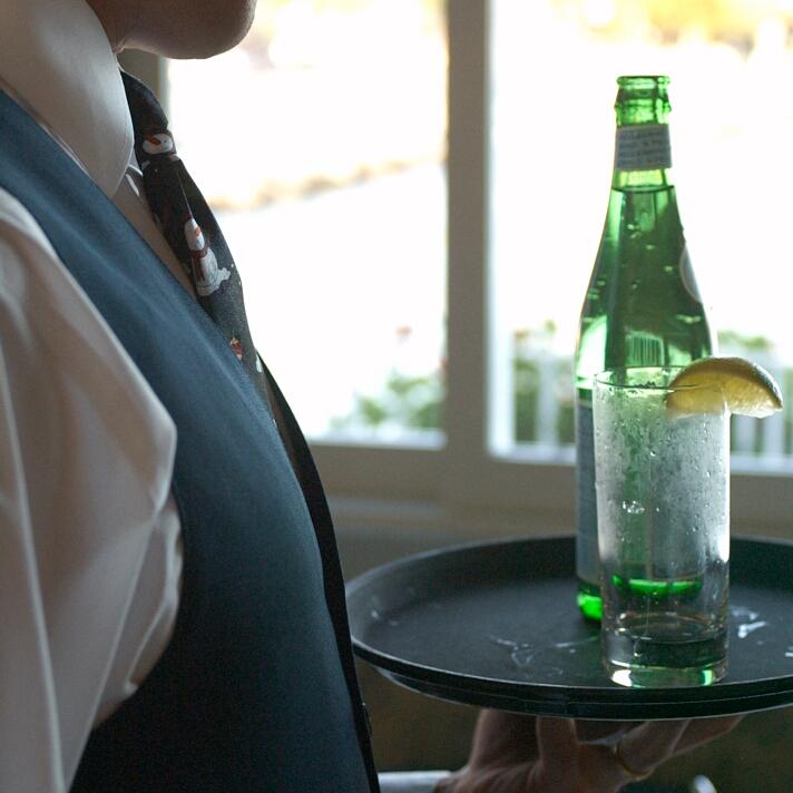 scomas_sausalito_waiter_sq.jpg