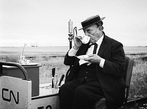 "Keaton in ""The Railrodder"""