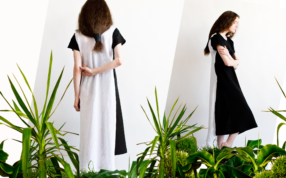 black and white reversible tee shirt maxi  linen handmade.jpg