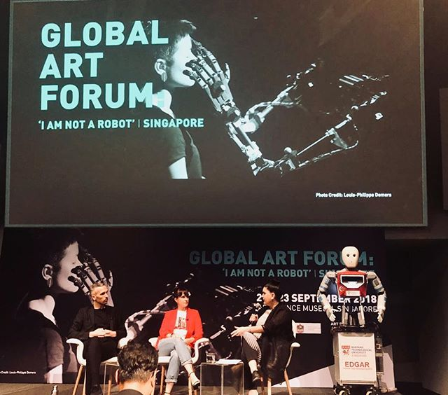 such a pleasure to talk data aesthetics and taking personalization personally at @artsciencemuseumsg #iamnotarobot #gaf today with @wesleygoatley + @honorharger. and to have my SG squad in the crowd 📷 @nataliah_noelani @dubdiam.