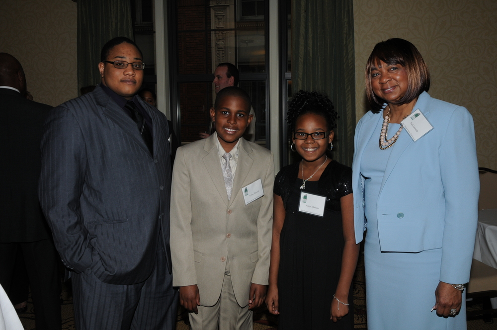 Gail Edwards, Aniya Macklin & Tyren Harrell.JPG