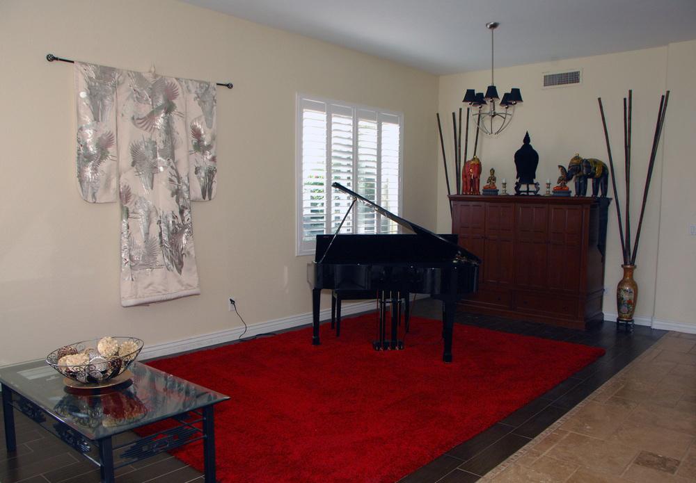 Livingroom photo 1.JPG