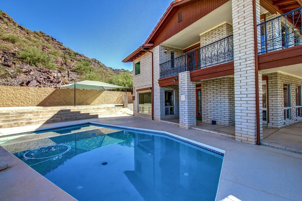 2444 E Lincoln Cir. Phoenix, AZ 85016
