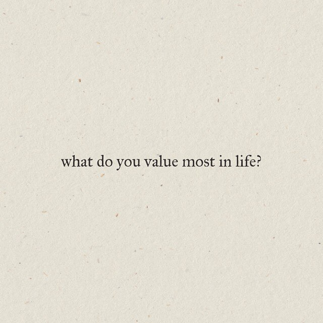 What do you value most in life? 🤔 . Does your time and energy match your values? 💥 . This week I'm focused on connection and play with my family and  personal growth opportunities. Connection, play and growth are some of my core values.🧡 . Share below some of your core values and how you nurture them. 👇🏼 . . . #minimalist #zoneofgenius #revbow #purposedriven #minimalism #intentionalliving #intentionalparenting #values