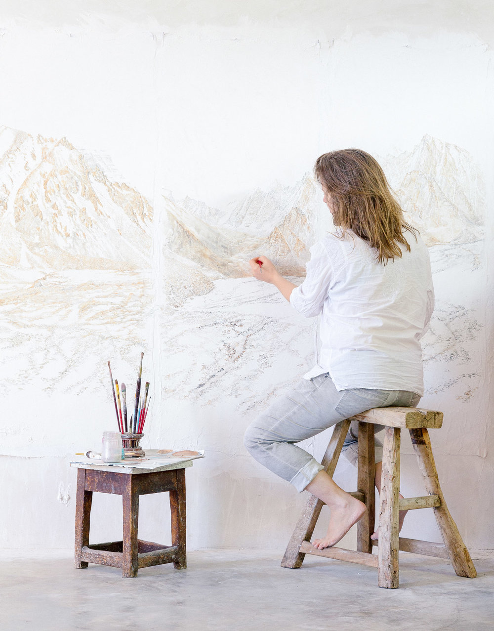 Melbourne artist,  Sarah Tomasetti,  in her home studio. Photography by  Emma Byrnes.