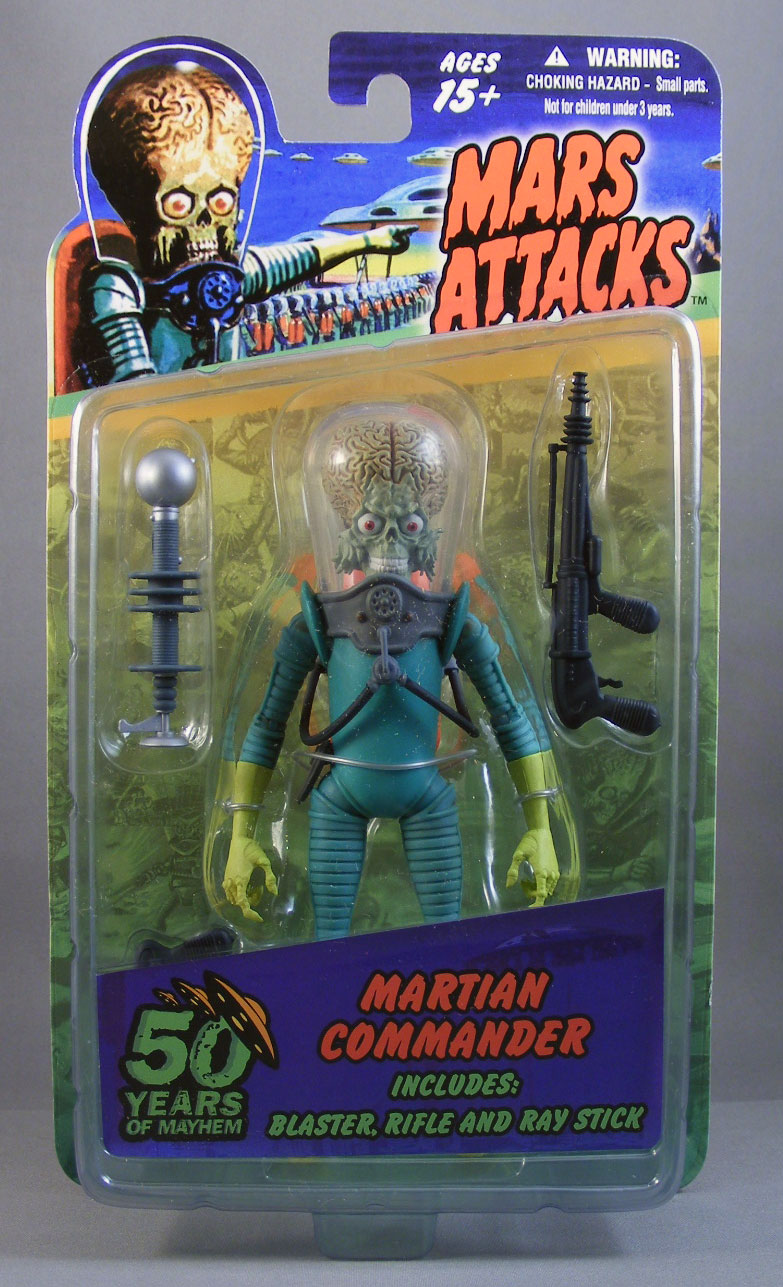 mars-attacks-martian-commander-mezco-review.jpg