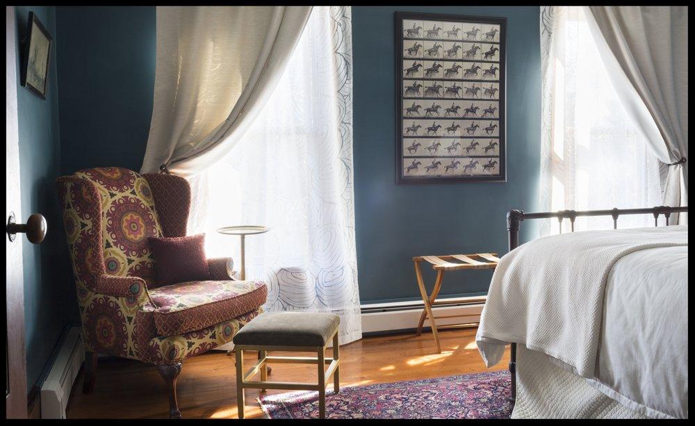Knickerbocker room facing east
