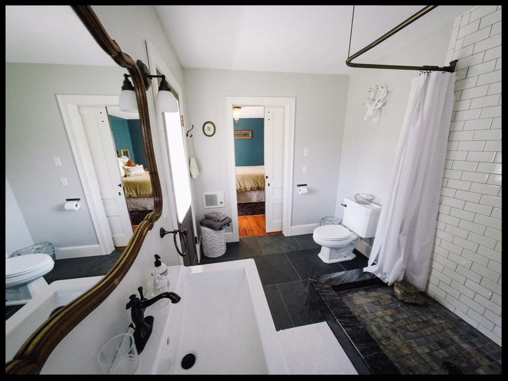 Knickerbocker bathroom facing bedroom