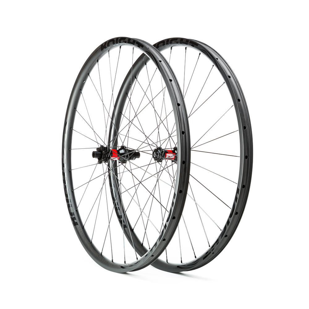 wheels tires dirt merchant bikes Racing Cobra Factory 5 29 trail img 1781 knight posites medres 1100x1100