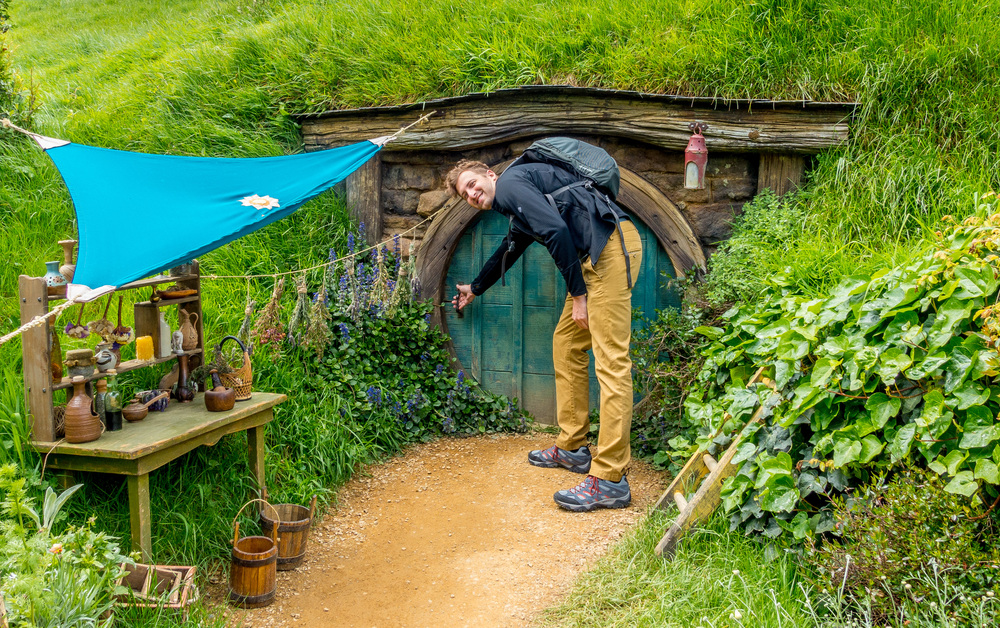 hobbiton_open_door