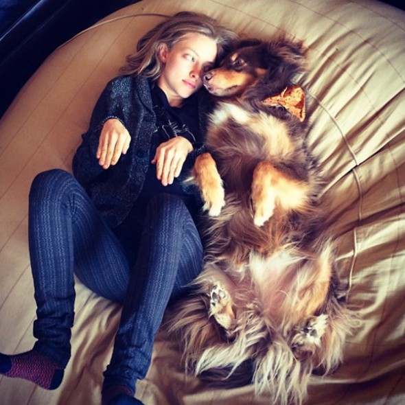 Actress Amanda Seyfried with rescue dog Finn. Source: onegreenplanet.org