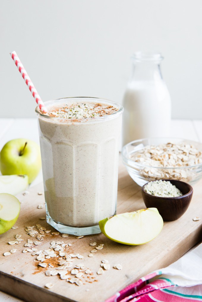 Apple-n-Oats-Breakfast-Smoothie-2-e1420440303521.jpg