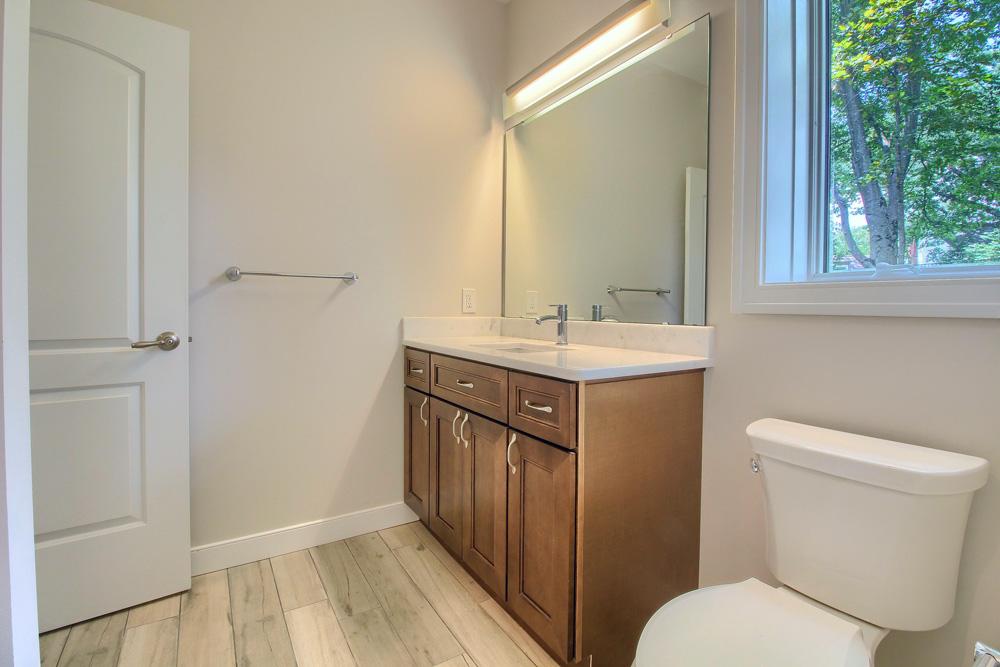 07_Bathroom_IMG_1697.jpg