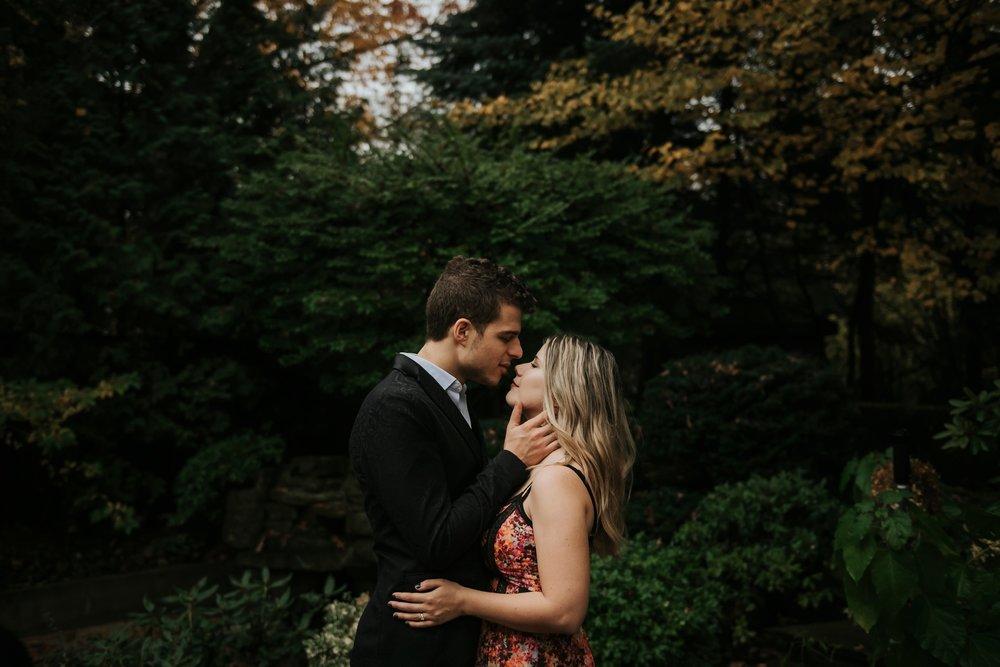 WeddingEngagementpuppydogshootToronto_0005.jpg